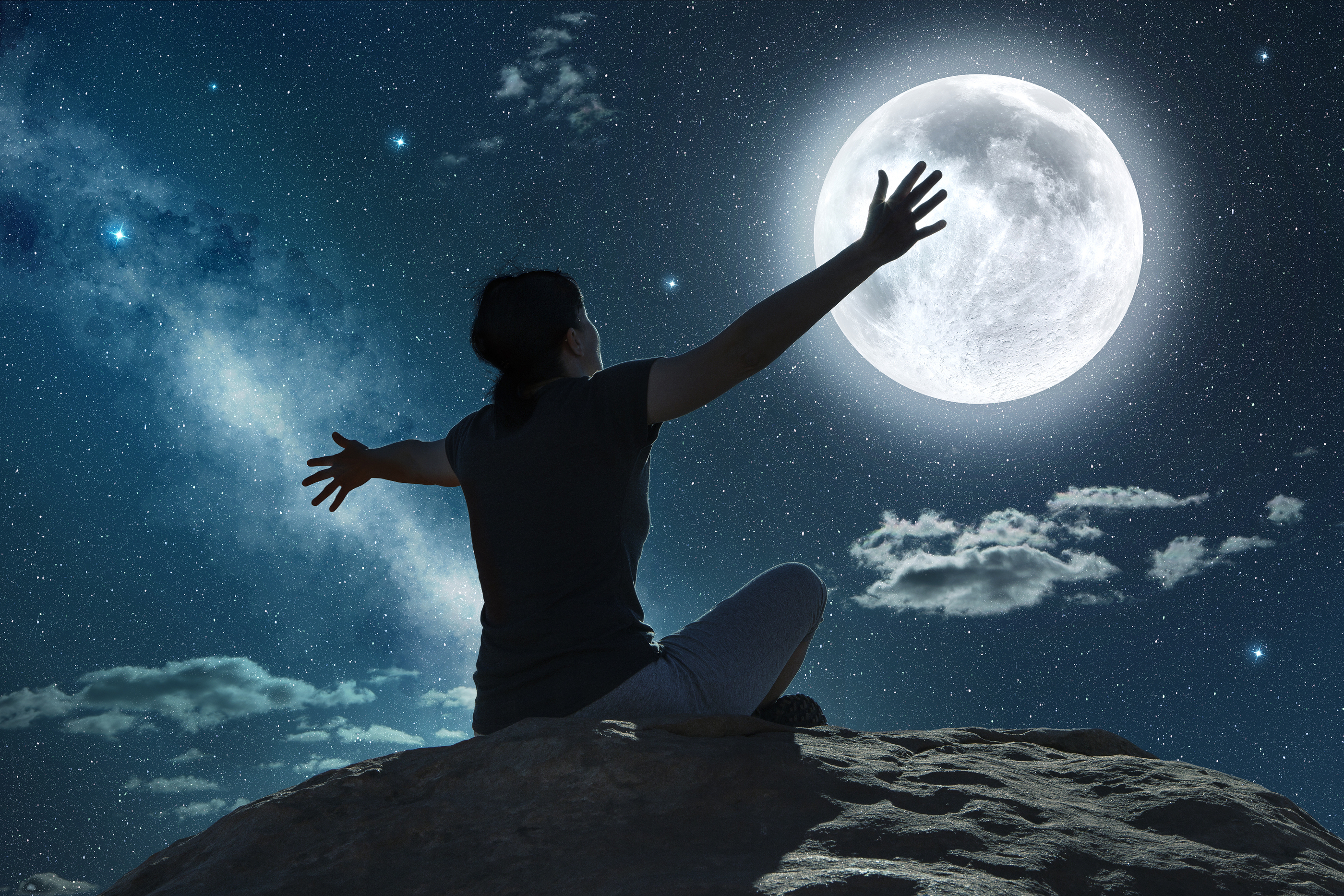 5 Full Moon Release Rituals To Amp Up Your Receiving